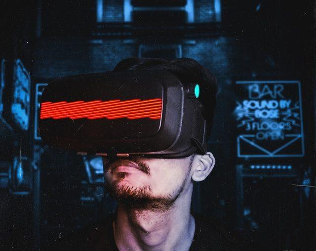 كيف يُمكنك إنشاء تطبيقات جوال مدعومة بتقنية الواقع الافتراضي؟